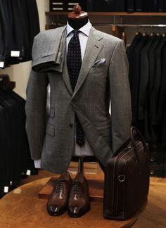 Avoir-bon-style-costume-gris