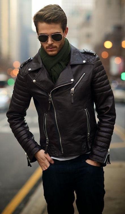 Avoir-bon-style-cuir